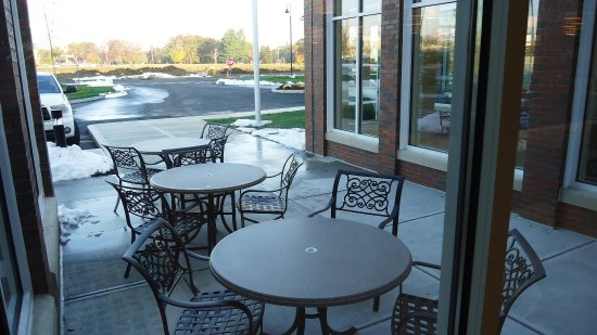 Devens, MA: Outdoor Patio Area