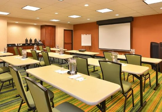 Aurora, CO: Avalanche Meeting Room - Classroom Setup