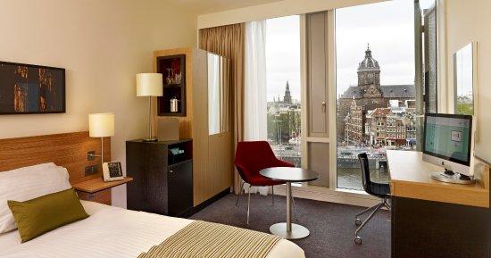 DoubleTree by Hilton Hotel Amsterdam Centraal Station: Queen Guest Room