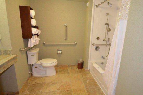 New Hartford, Nowy Jork: Accessible Bathroom