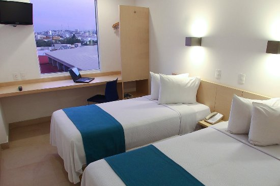 One Culiacan Forum: Superior Twin Room