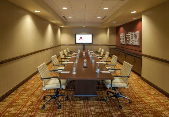 Westminster, CO: Executive Boardroom