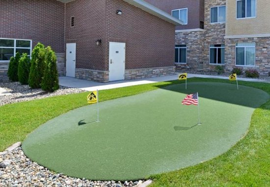 Coralville, IA: Putting Green