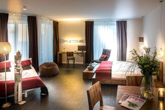 알모도바르 호텔
