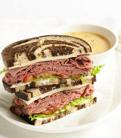 Goleta, Kalifornien: Roast Beef and Havarti Sandwich