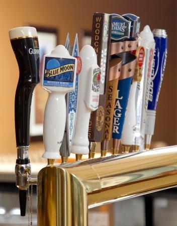 Cedar Falls, IA: Bar Beer on Tap