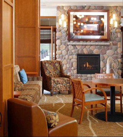 Cedar Falls, IA: Lobby Seating