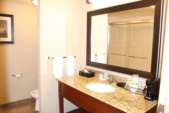 Chickasha, OK: Guest Bathroom