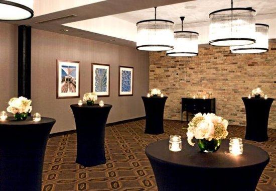 Fairfield Inn & Suites Milwaukee Downtown: The Straus Room- Social Setup