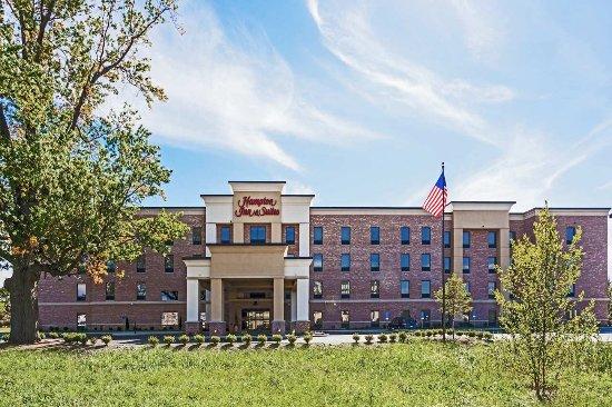 Elyria, OH: Hotel Exterior