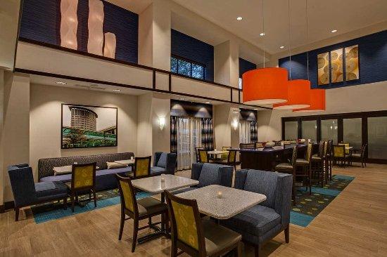 Elyria, OH: Hotel Lobby