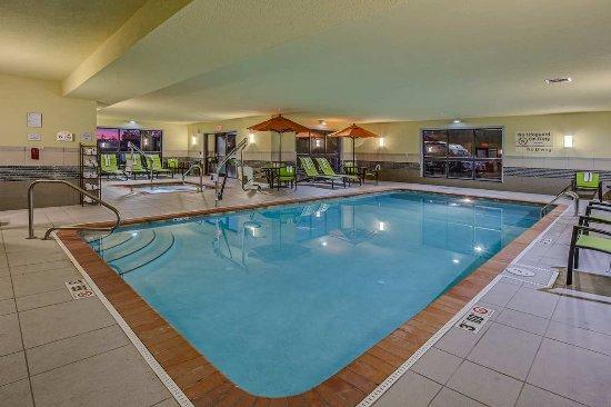 Elyria, OH: Swimming Pool