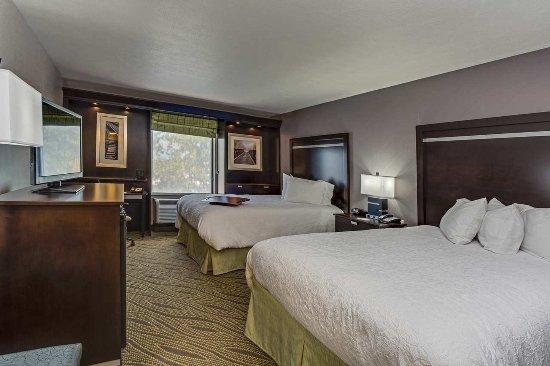 Elyria, OH: Queen Standard Guestroom