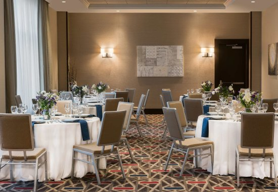 Needham, MA: Meeting Room - Social Event Setup