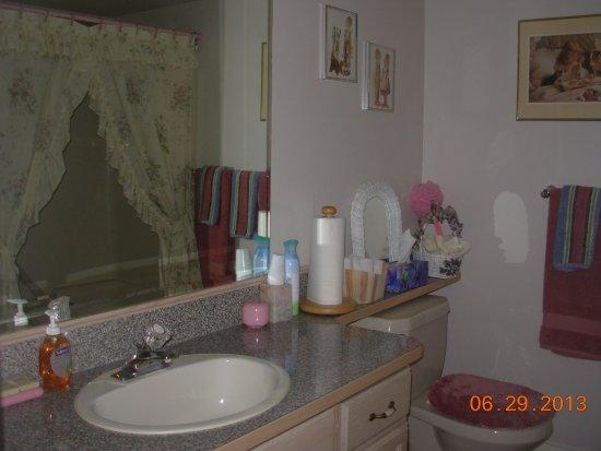 ซัมเมอร์แลนด์, แคนาดา: Bathroom