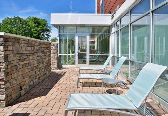 Voorhees, NJ: Outdoor Pool Patio