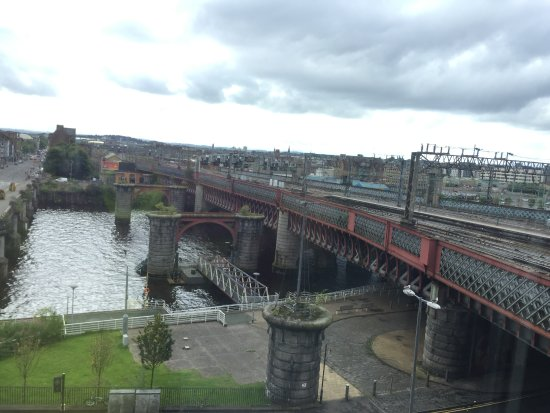Jurys Inn Glasgow: From our 4th floor room