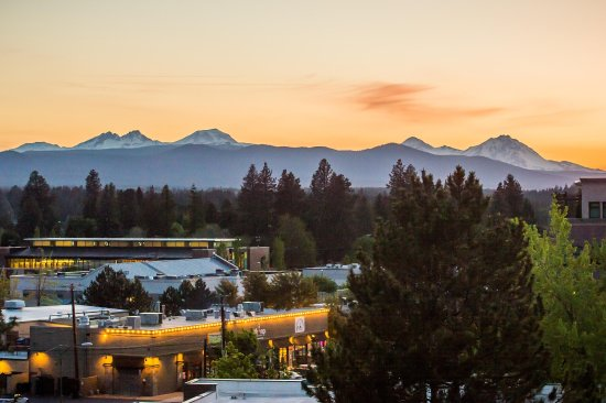 DoubleTree by Hilton Bend : local bend
