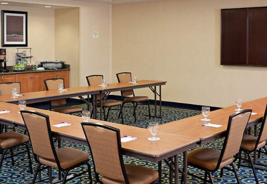 Midland, Мичиган: Ontario Room