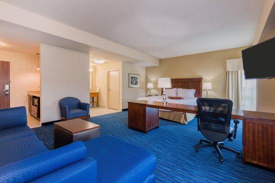 hampton inn suites downtown owensboro waterfront 116. Black Bedroom Furniture Sets. Home Design Ideas