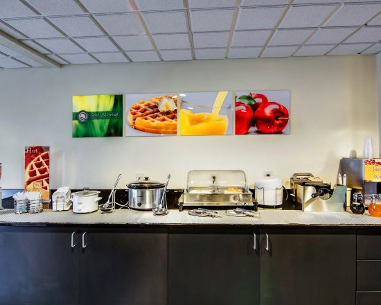 Quality Inn and Suites Bristol: VABREAKFASTAREA