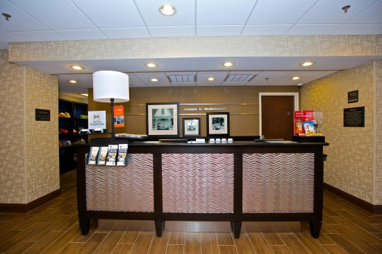 McDonough, GA: Front Desk