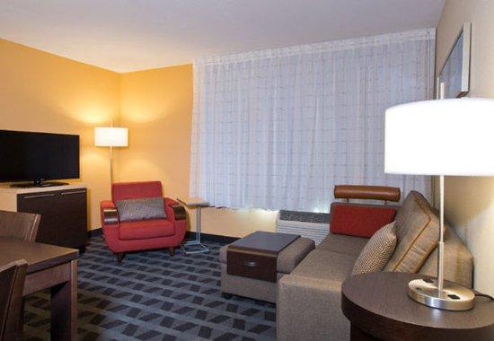 Garden City, Κάνσας: Suite Living Area