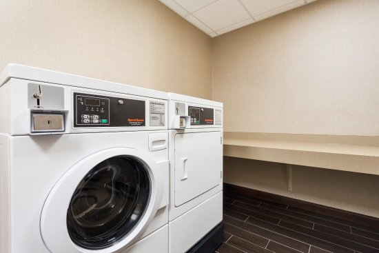Hummelstown, PA: Guest Laundry
