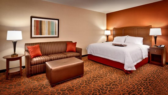 Hampton Inn Omaha / West Dodge Road (Old Mill)