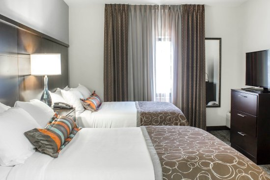 Jacksonville, Carolina del Norte: 2 Bedroom Suite w/2 Full Beds and 1 King