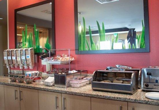 Port Arthur, TX: Breakfast Buffet