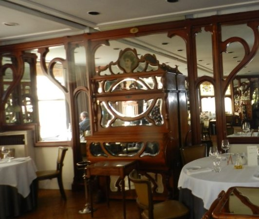Salle A Manger Decor Et Style Picture Of Restaurant Hiely