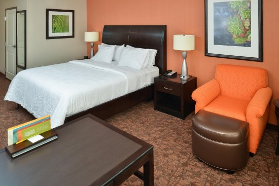 West Chester, OH: Accessible Guestroom