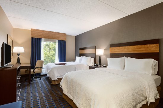 Camp Springs, MD: 2 Queens Room