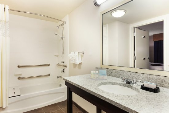 Camp Springs, MD: Accessible Bathroom - Tub