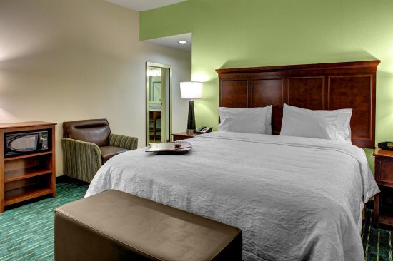 Hampton Inn & Suites Coconut Creek