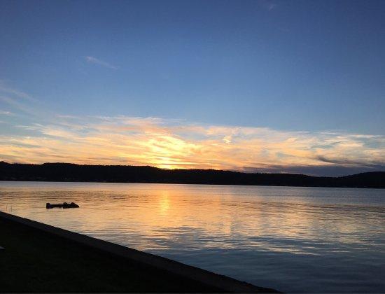 Sunset Motel on the Bay: photo1.jpg