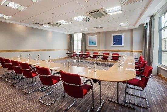 Hilton Garden Inn London Heathrow Airport: U-shape Meeting Room Setup