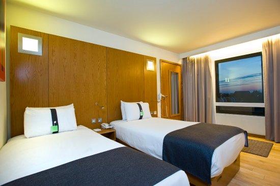 Holiday Inn London - West
