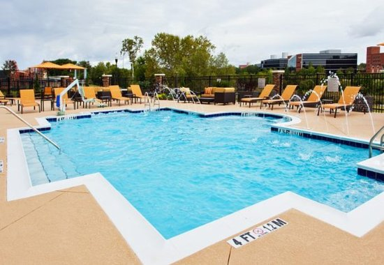 Phenix City, AL: Outdoor Pool