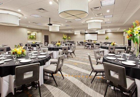 Phenix City, AL: Riverfront Ballroom – Banquet Setup