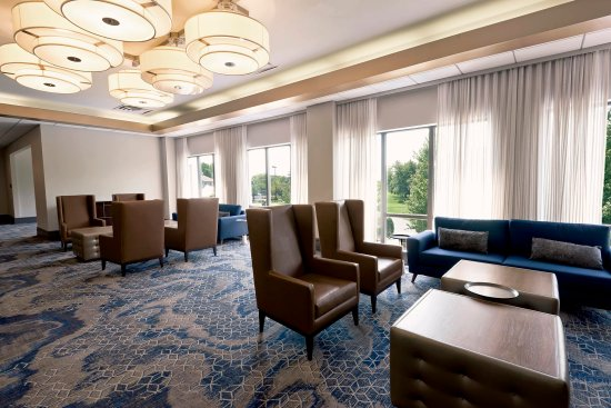 Oak Brook, IL: Lounge