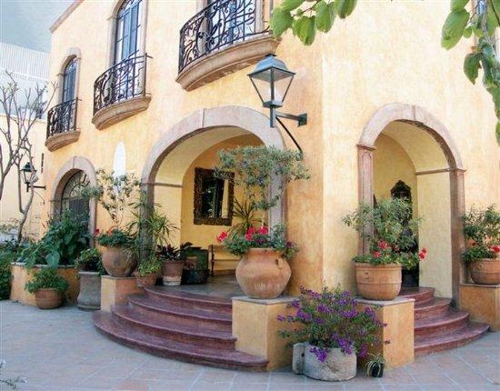 Villa Ganz: Exterior View