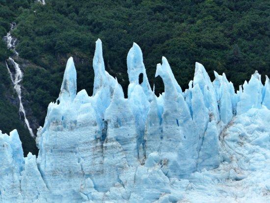 Valdez, AK: Unusual end of Meares Glacier