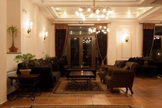 Dellas Boutique Hotel: Lobby