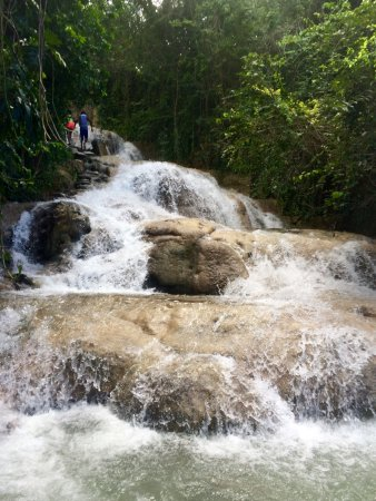 Dunn's River Falls and Park: On the way up, ahead of a large tour