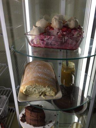 Walkers Fish Restaurant: THE pud fridges (2)