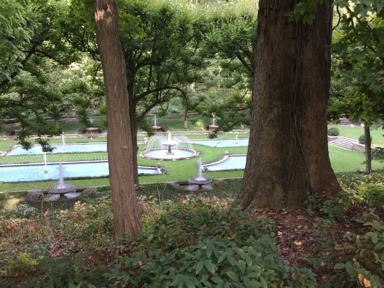Kennett Square, PA: Italian fountains-precision timing and so lovely