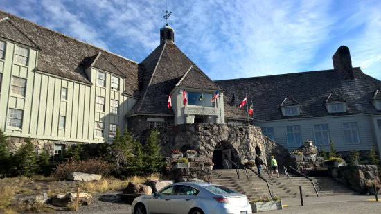 Timberline Lodge, OR: Front porch, Roosevelt Terrace, and central facade of the Timberline.