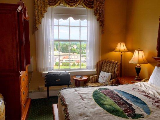The Mimslyn Inn: photo2.jpg